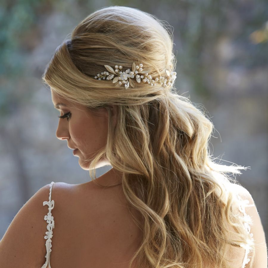 Gorgeous Bridal Headpieces for Half Up Half Down Wedding Hairstyles