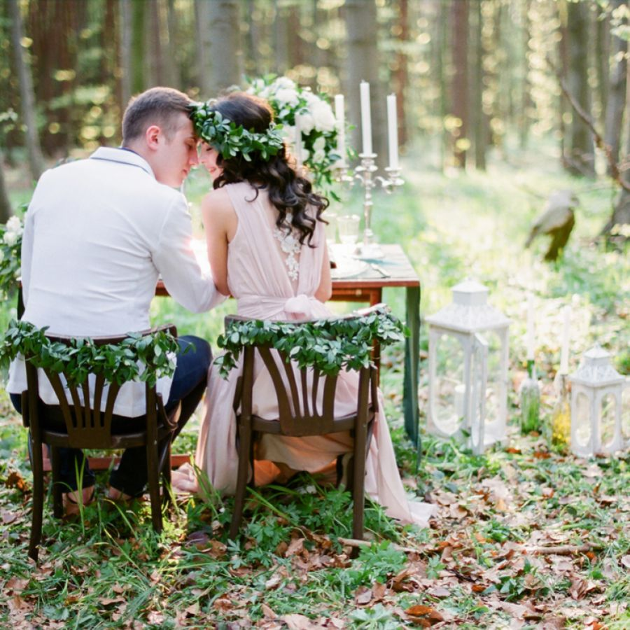 LEANING TO GREEN? OUR GUIDE TO A GREEN THEME WEDDING
