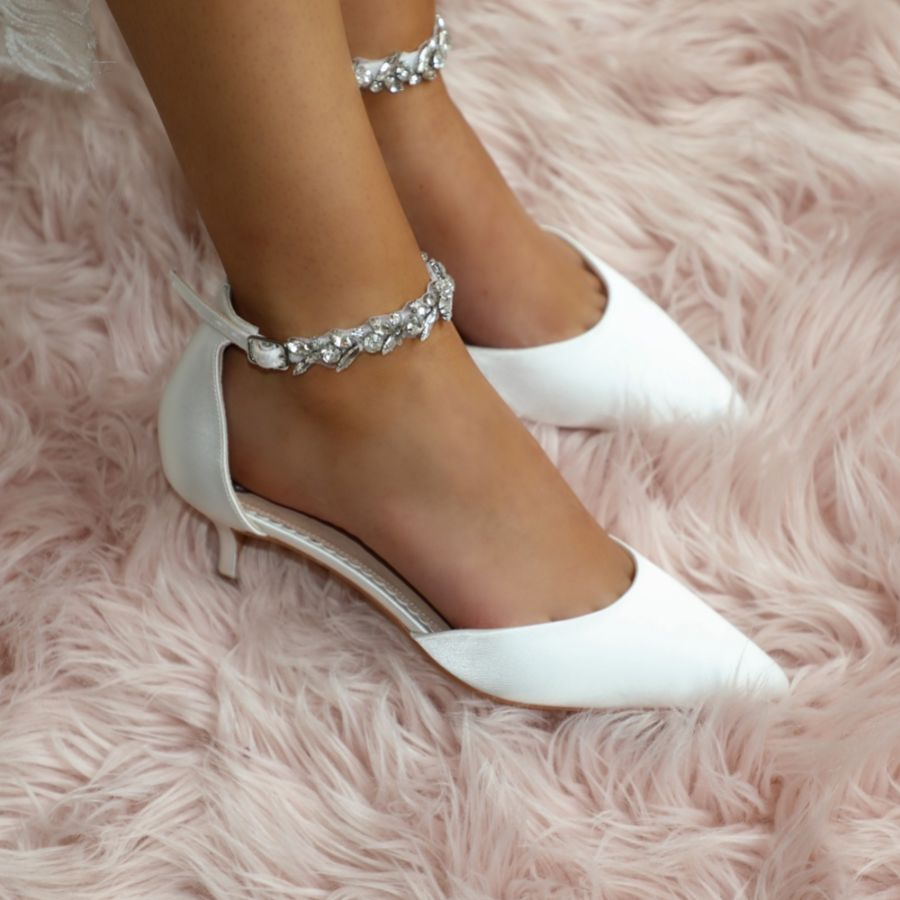 Lovely Low Heel Wedding Shoes for the Stylish Bride