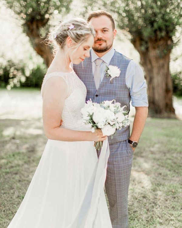 Real Bride Hollie Image 2