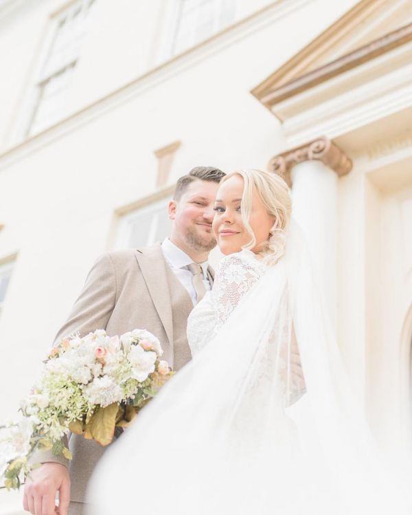 Photo of Bianco Ivory Plain Single Tier Cathedral Veil with Cut Edge S261 uploaded by J on 20th August 2021