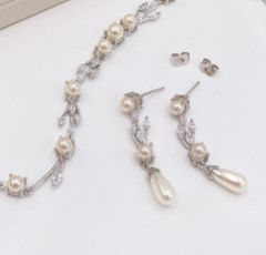 Ivory and Co Belgravia Pearl and Crystal Wedding Bracelet