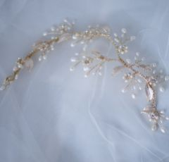 Jasmine Enamelled Blossoms and Freshwater Pearl Hair Vine