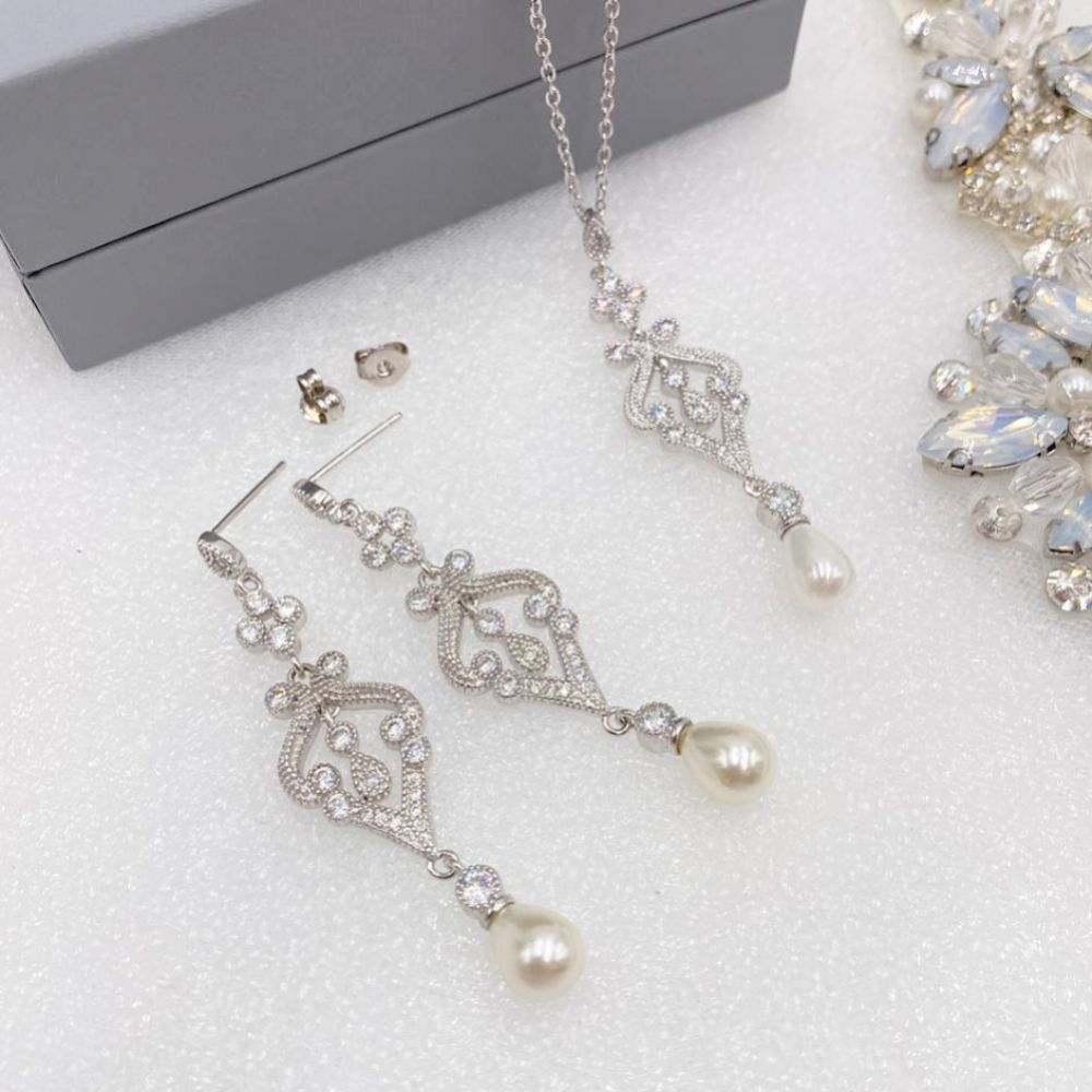 Enchanting Vintage Inspired Bridal Jewellery Set