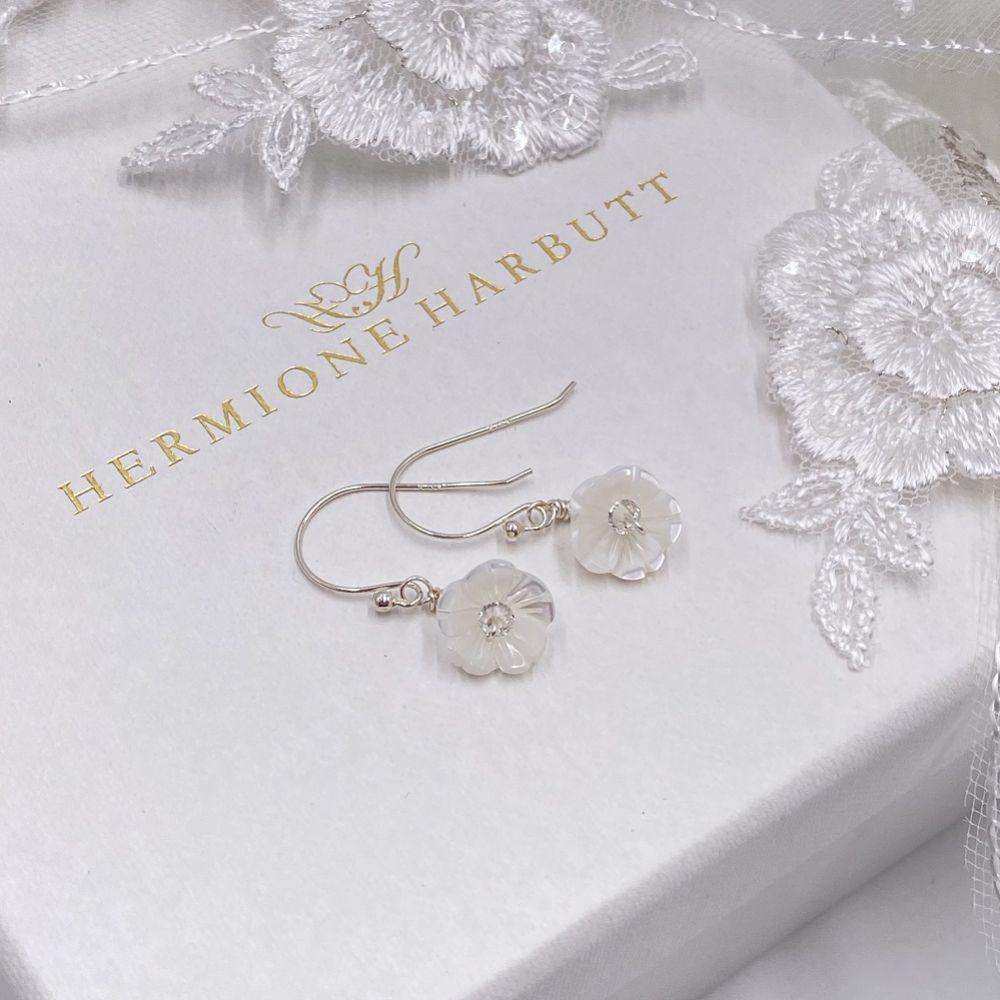Hermione Harbutt Bianca Mother of Pearl Flower Droplet Earrings