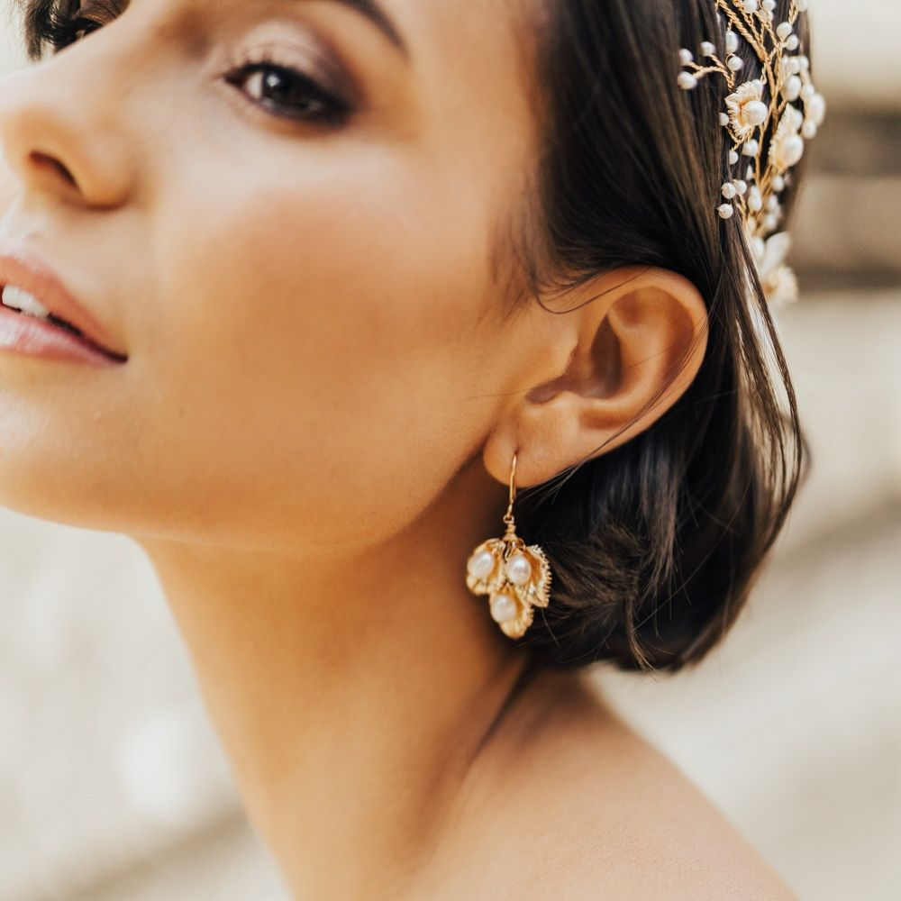 Hermione Harbutt Celeste Trio of Gold Leaves Earrings