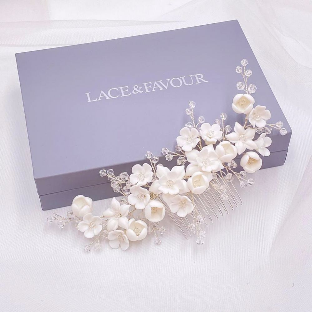 Rosewood Porcelain Flowers and Crystal Hair Comb (Silver)