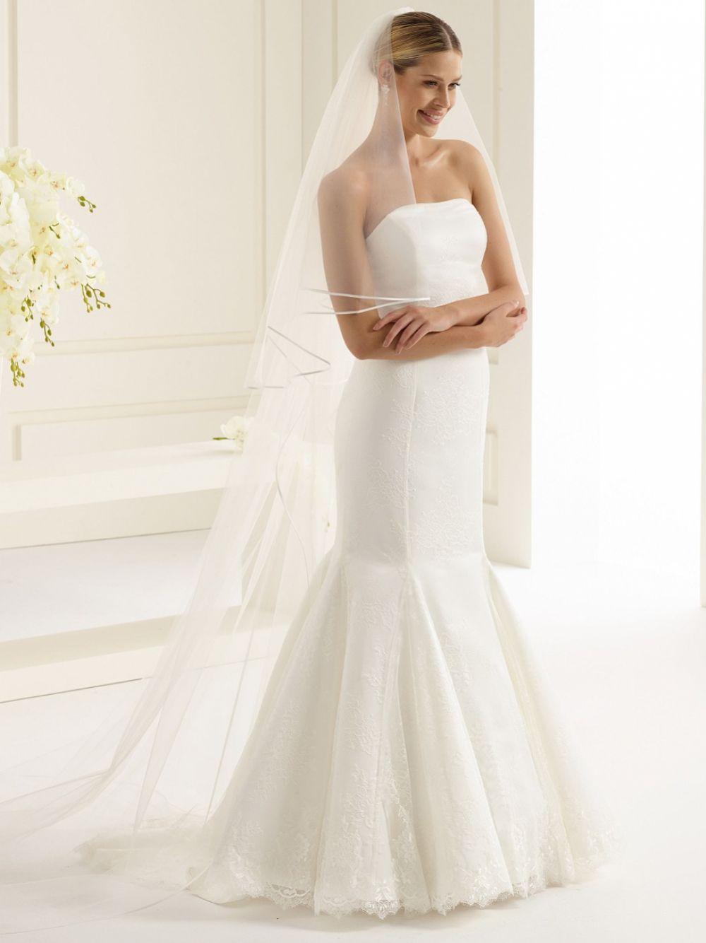 Bianco Ivory Classic Tulle Two Tier Satin Edge Cathedral Veil S146