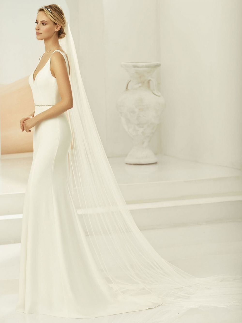 Bianco Ivory Single Tier Satin Edge Chapel Veil S389