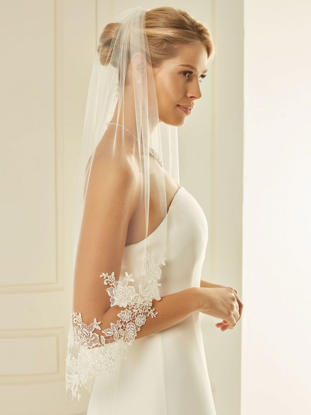 Bianco Single Tier Cut Edge Waist Length Veil with Floral Lace S238