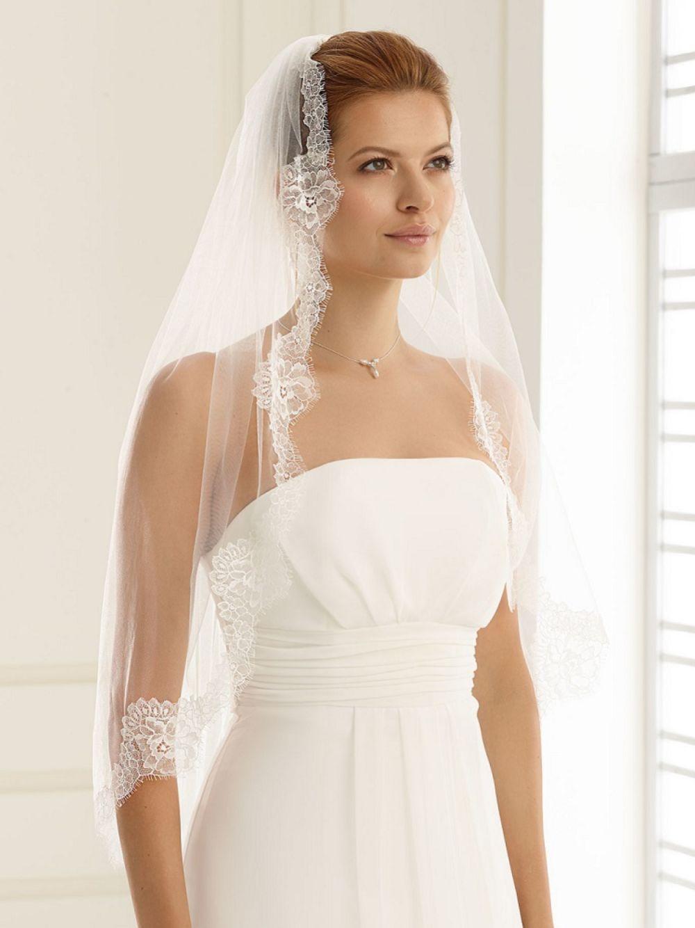 Bianco Single Tier Fine Lace Edge Waist Length Veil S160