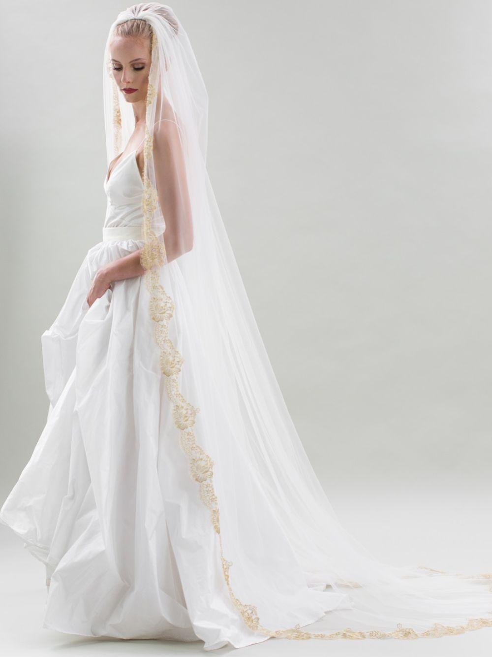 Joyce Jackson Naples Single Tier Gold Lace Edge Veil