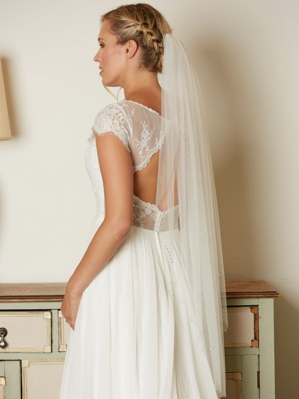 Linzi Jay Single Tier Ivory Tulle Veil with Diamante and Crystal Edge V728