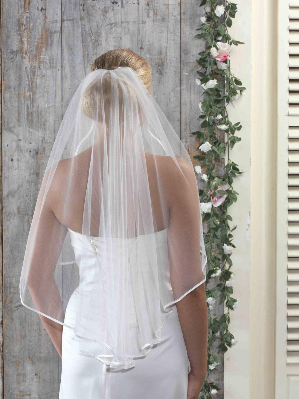 Linzi Jay Single Tier Satin Edge Bridal Veil LA701