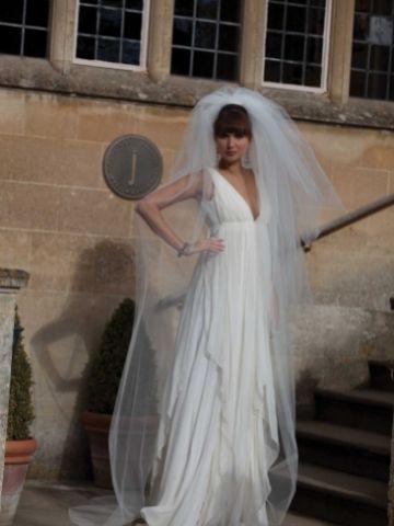 Joyce Jackson Napoli Three Tier Cut Edge Bouffant Veil