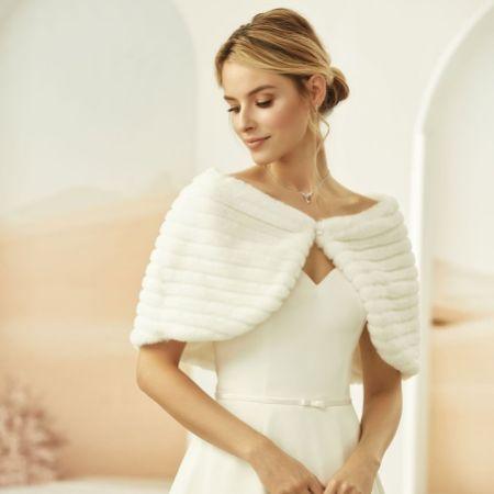 Bianco Ivory Faux Fur Wedding Cape E329