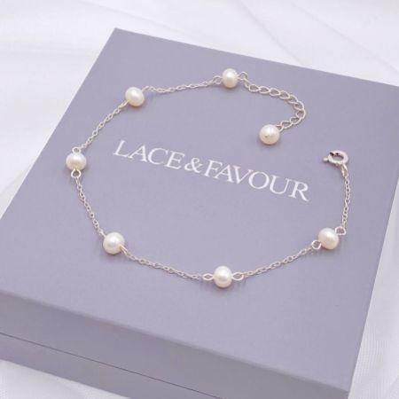 Elenoa Dainty Pearl Chain Bracelet
