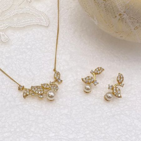 Ivory and Co Aphrodite Gold Bridal Jewellery Set