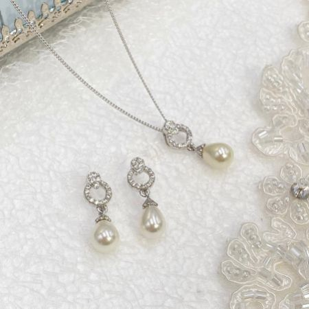 Ivory and Co Stockholm Pearl Bridal Jewellery Set