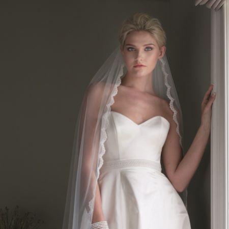 Joyce Jackson Beauty Single Tier Scalloped Lace Edge Veil