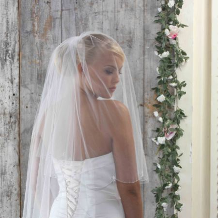 Linzi Jay Scalloped Edge Fingertip Veil with Crystal Cluster Drops LA908