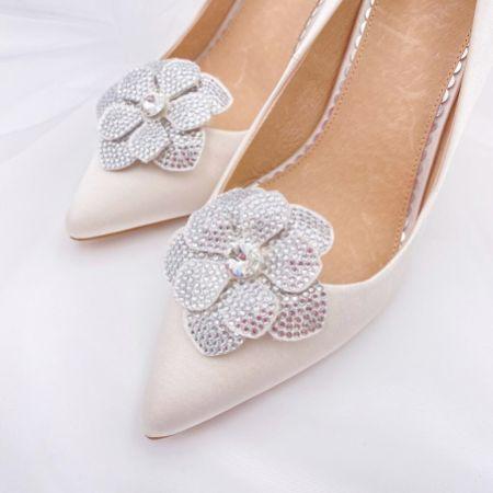 Rainbow Club Vela Diamante Flower Shoe Clips
