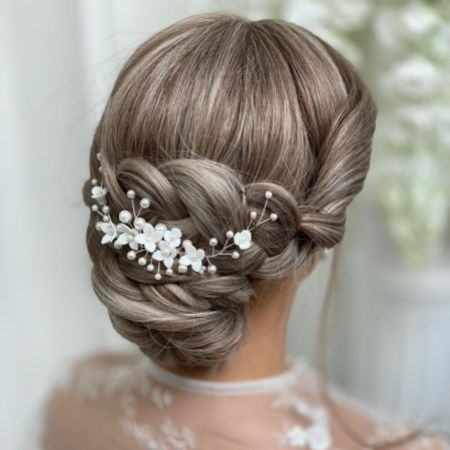 Skye Porcelain Flowers and Pearl Bridal Hair Comb (Silver)