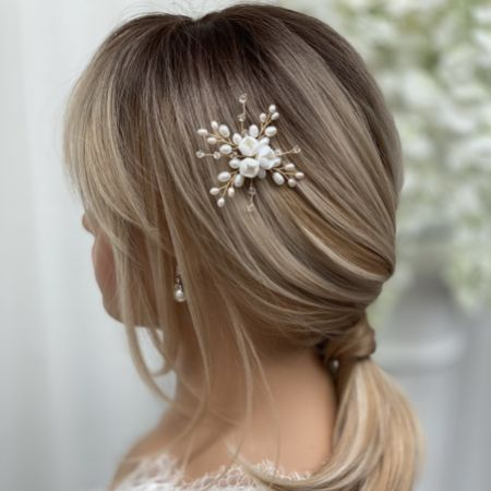 Snowdrop Porcelain Flowers and Freshwater Pearl Hair Pin (Gold)
