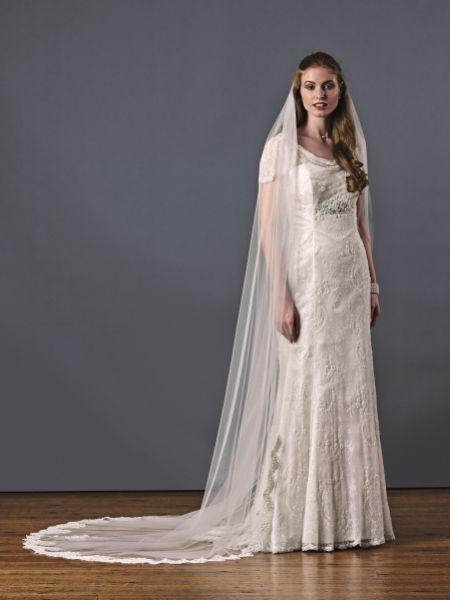 Joyce Jackson Beverley Hills Single Tier Beaded Lace Veil