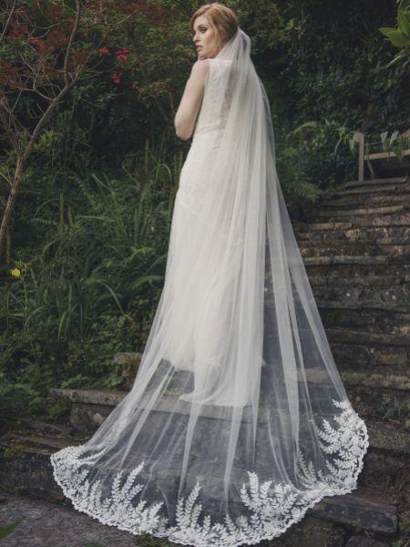 Joyce Jackson Camden Floral Embellished Veil