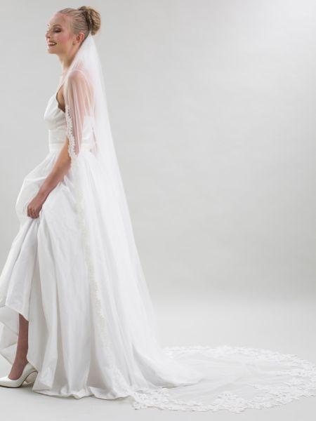 Joyce Jackson Oristano Single Tier Embellished Lace Veil